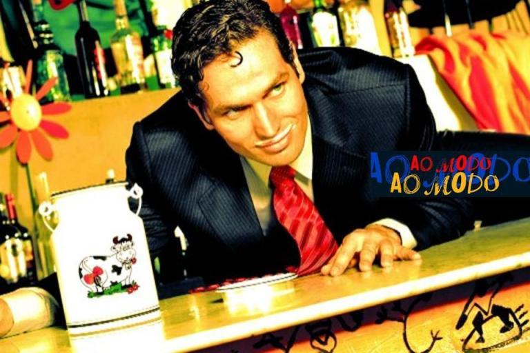 Ao Modo  Produção: Sagrada Edição de Estilo: Jorge Marcelo Oliveira  Fotógrafo: Touché  Beleza: Tandi Steinle  Modelo: Gustavo Chechinatto 2006