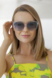 Detroit Verão 2020 - Diana usa Vestido Marrô by KER, sapato KER fivela lima, chapéu KER panamá lima, bolsa KER bambu lima, brin_03
