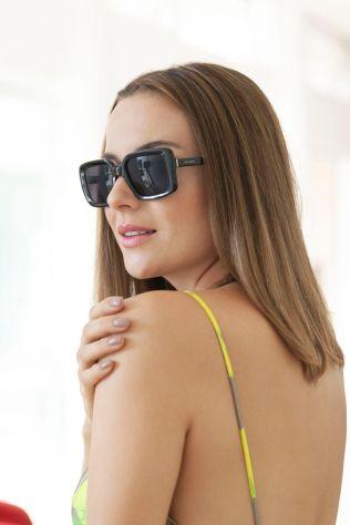 Detroit Verão 2020 - Diana usa Vestido Marrô by KER, sapato KER fivela lima, chapéu KER panamá lima, bolsa KER bambu lima, brin_04